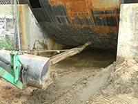 digging out under the hull